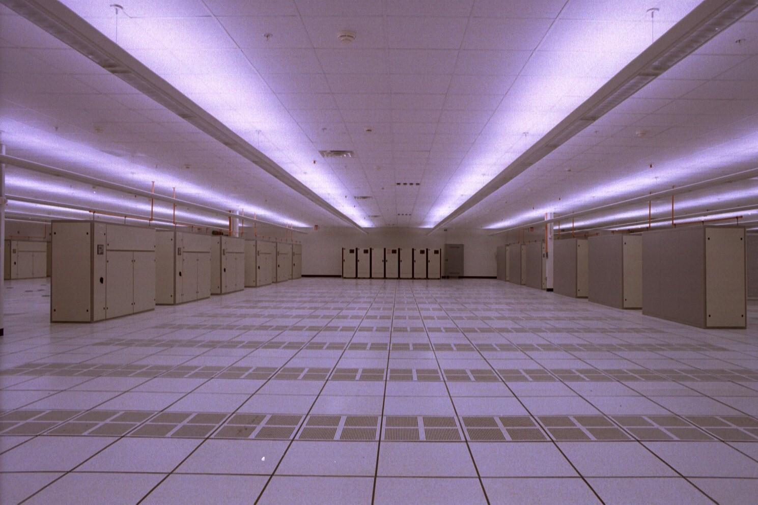 https://www.ebapc.com/wp-content/uploads/2016/04/Data-Center-PSINet-computer-room.jpg