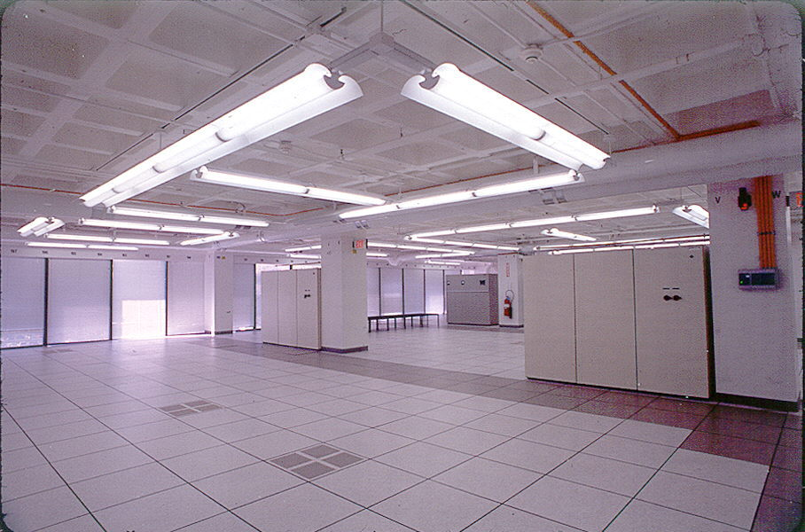 https://www.ebapc.com/wp-content/uploads/2016/05/Data-Center-2.jpg
